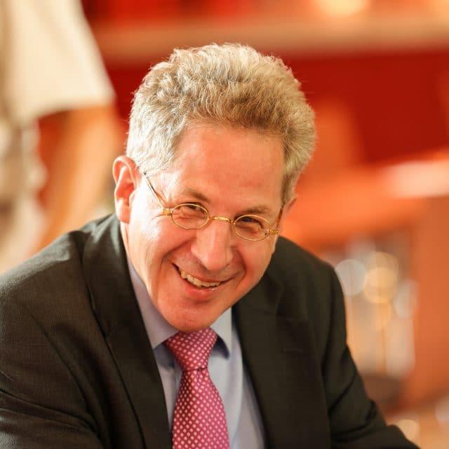Der Arzt Karl Lauterbach ist ein Hetzer und Vergifter der öffentlichen Meinung